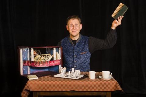 Moussong Theater mit Figuren, Der Zauberlehrling