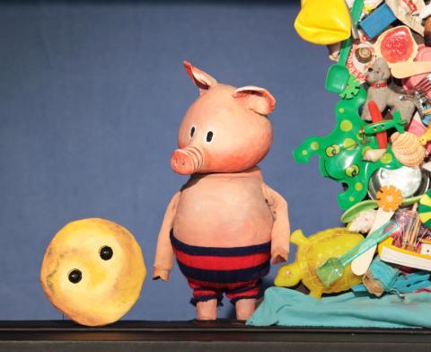 Der dicke, fette Pfannkuchen und das Schwein, Moussong Theater mit Figuren